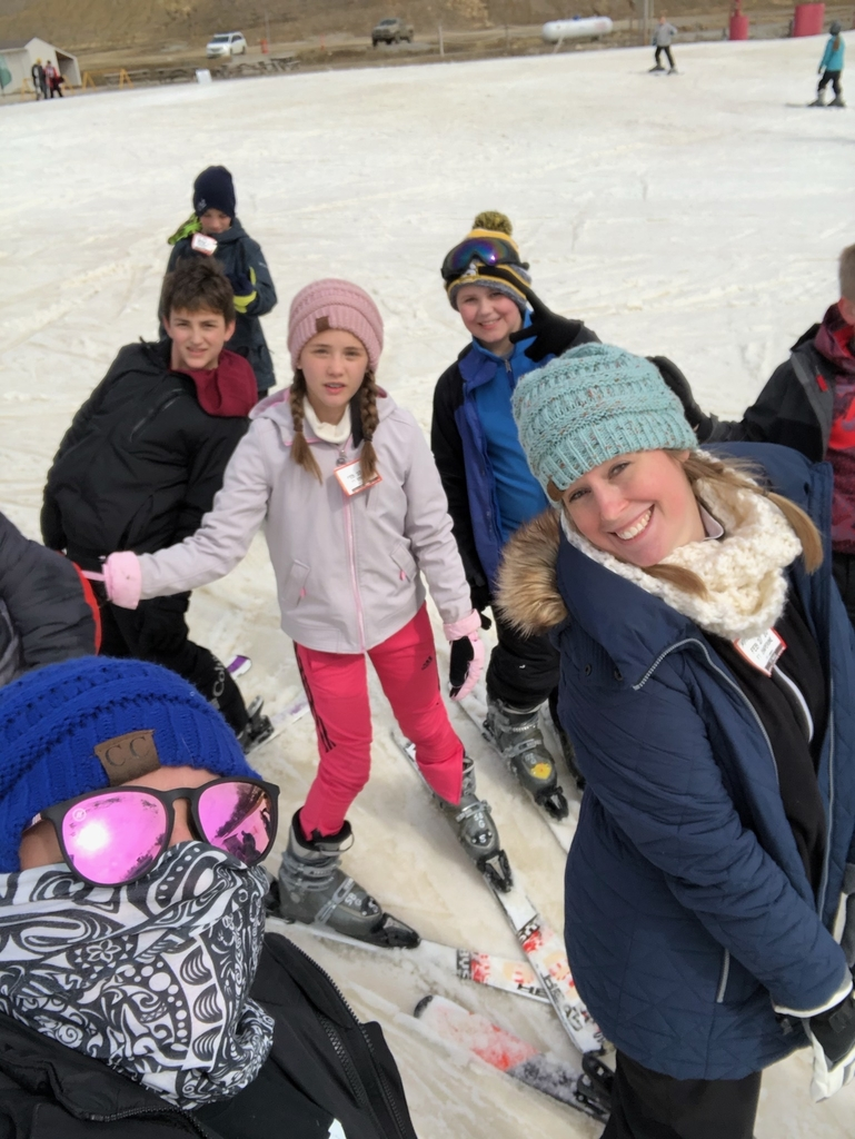 Fifth graders hit the slopes of Snow Creek!